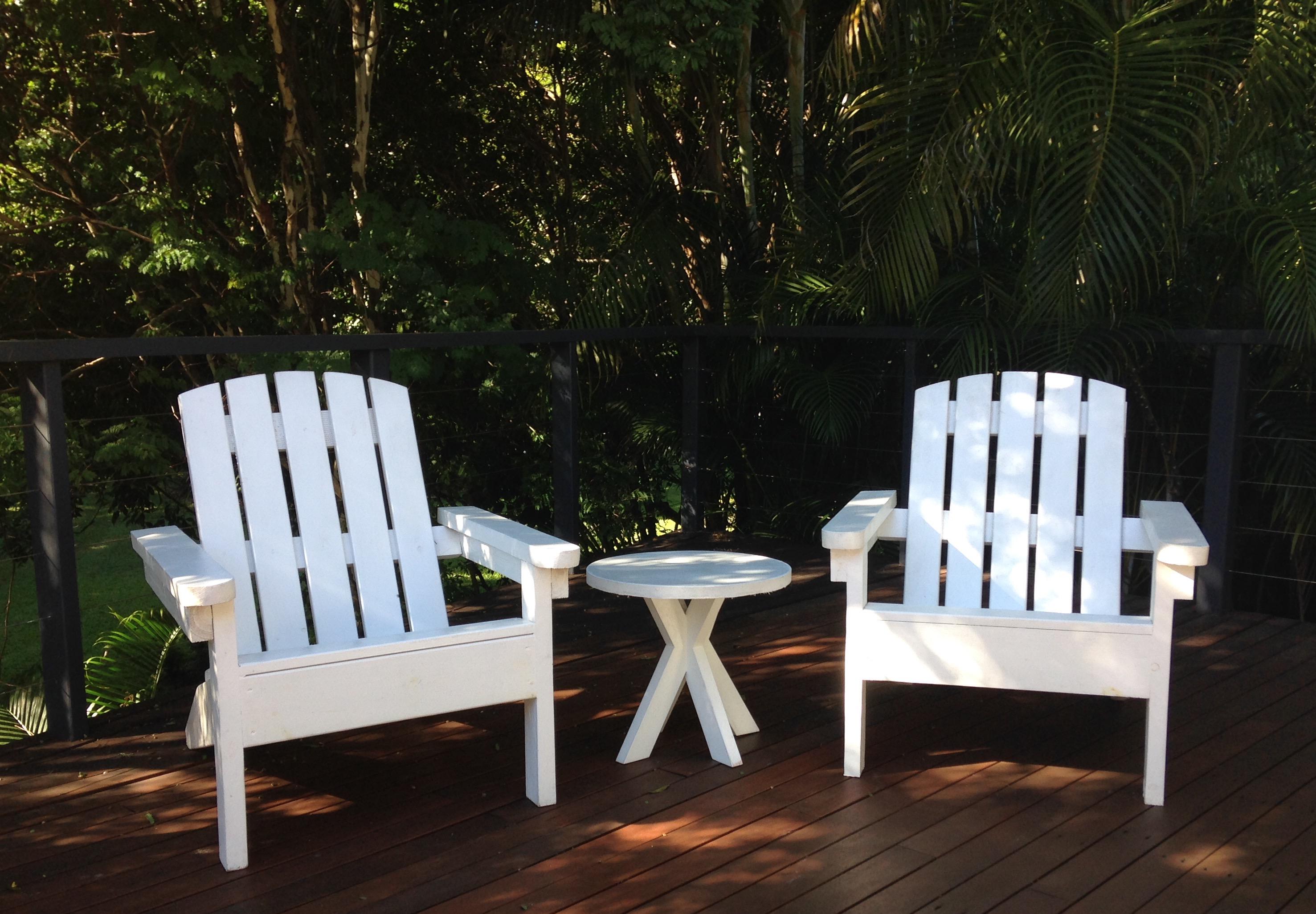 Hamptons white chair